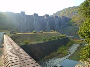 遊水公園からみたダムです こんなところにあるんです