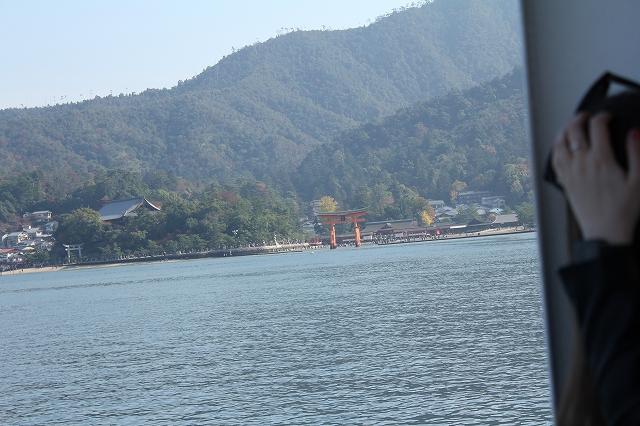 厳島神社が見えてきました