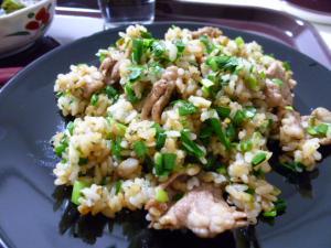 神戸ライフ:にんにく肉チャーハン