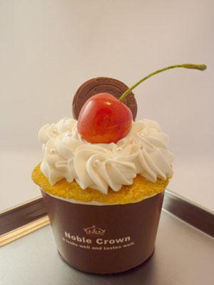 さくらんぼカップケーキ