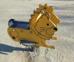 ライオン遊具
