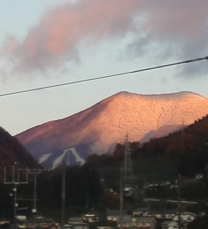 今朝の飯縄山