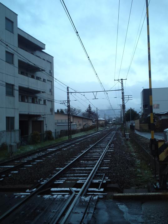 雪降りの朝7時 (2)
