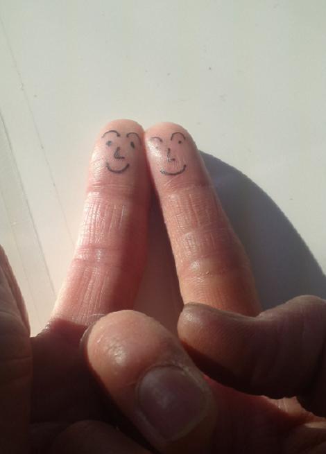 指にっこり