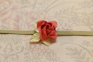 10月:折り紙で薔薇の帯留め