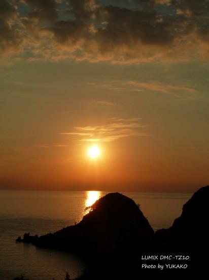 沖ノ島の夕日