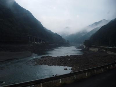 球磨川沿い