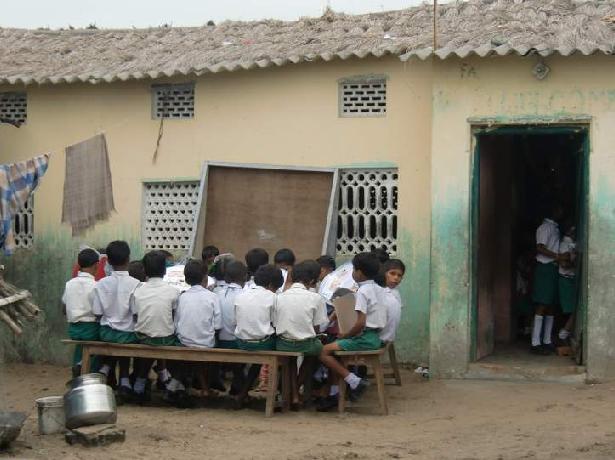 8 学校.JPG