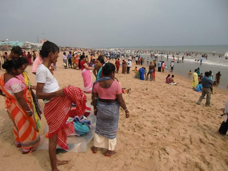 海とインド人