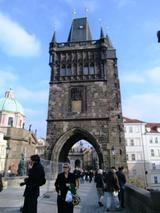 旧市街側の橋塔