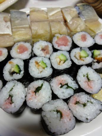 こちらもお寿司!