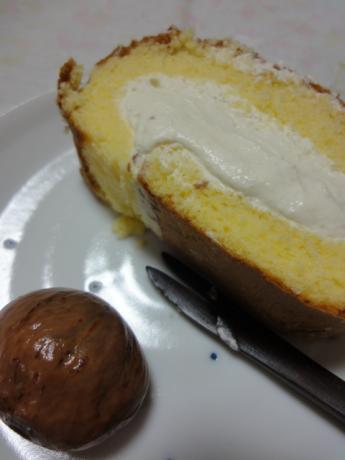 マロンのロールケーキ!