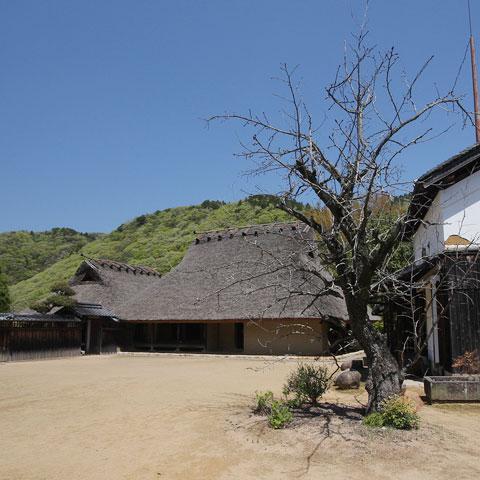 箱木千年家 日本最古の民家