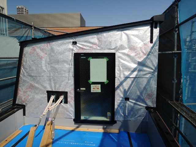 外壁下 遮熱防水シート「タイベック・シルバー」