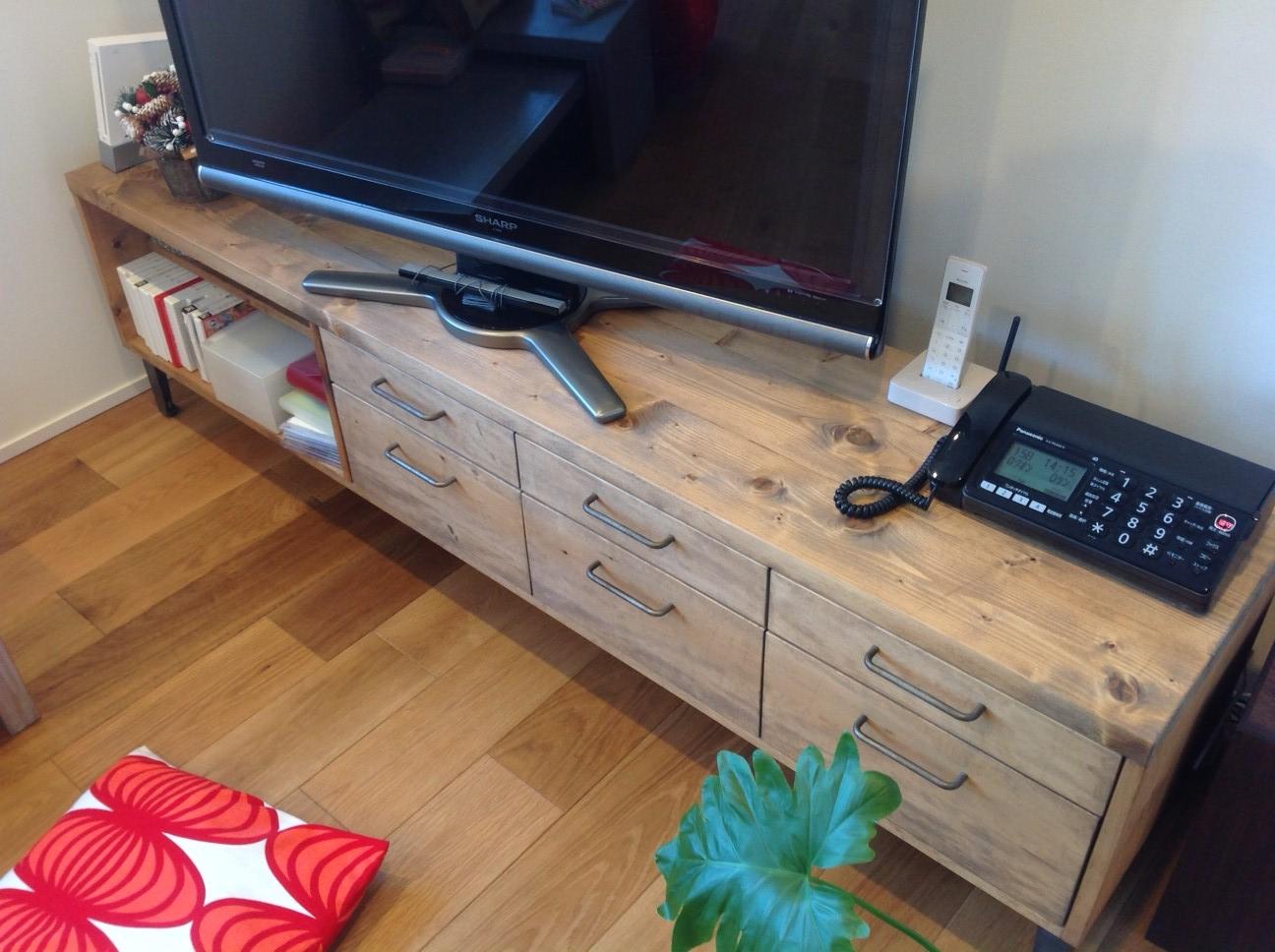 NEALDのTVボード