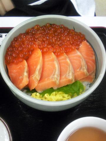 サーモン・いくら丼