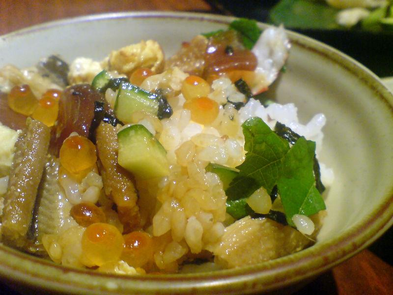 ヅケマグロとイクラと穴子タップリンコのチラシ寿司