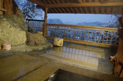 雪の露天風呂_3