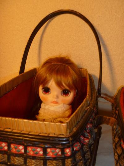 お人形籠?