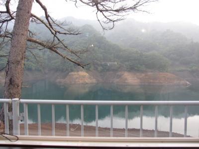宮ヶ瀬ダムを望む