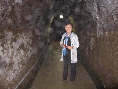 隧道の中の釘丸議員