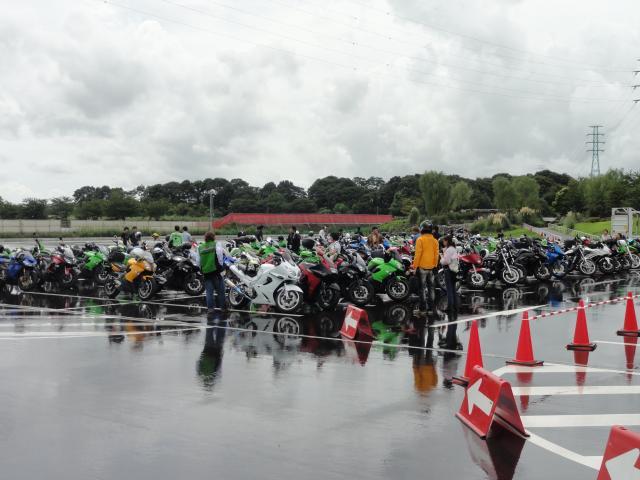 集いしバイクたち
