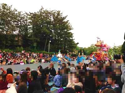 パレード13 人いっぱい!