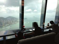 Rits香港 窓際二人