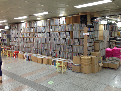 korean vinyl store 2