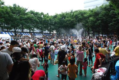 水かけ祭り会場