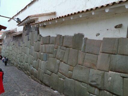 クスコ石壁