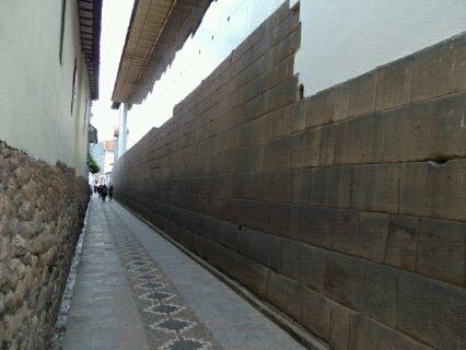 コリカンチャ壁