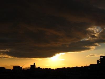 20101222_怪しげな雲・・・
