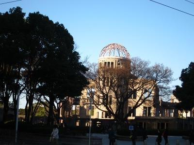 20110222_朝の原爆ドーム