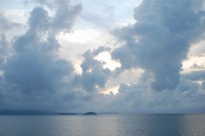 堤防からの景色(梅雨)