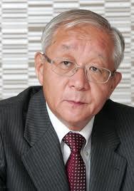 田崎史郎.