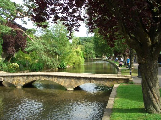 17 Bourton-on-the-Water