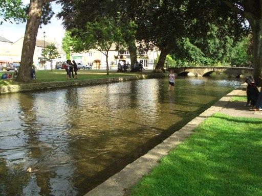19 Bourton-on-the-Water
