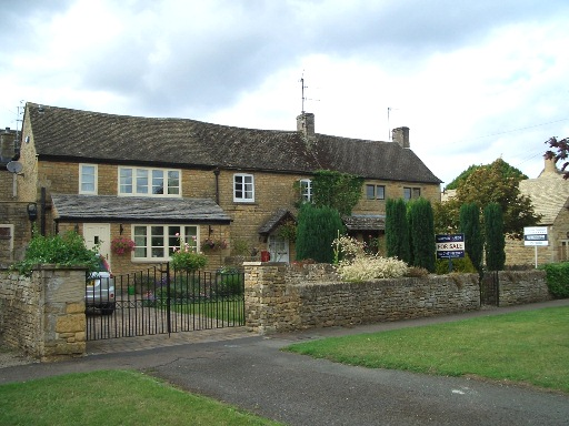 27 Bourton-on-the-Water