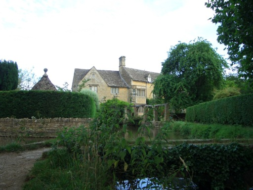 31 Bourton-on-the-Water