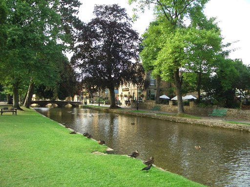 01 Bourton-on-the-Water