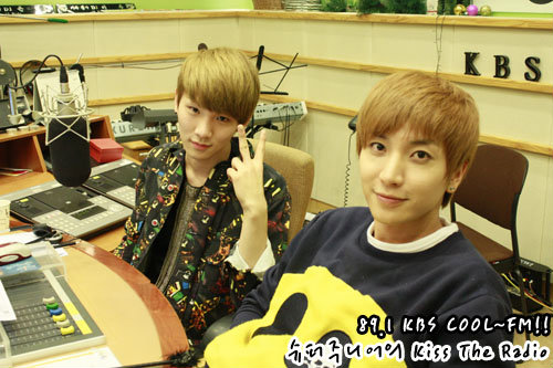 110315 sukira official photo-1