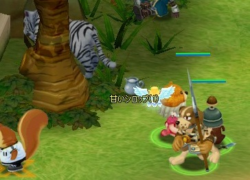 隠れるトラさん