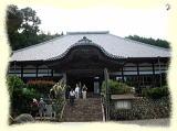 静かな、静かな山寺です(^^)