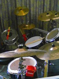 実家ドラム2