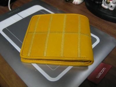 黄色い財布って金運上がりそうじゃないですか