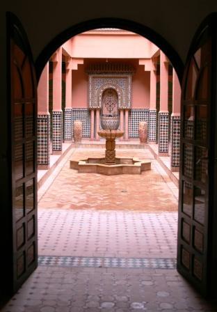 ホテル 中庭