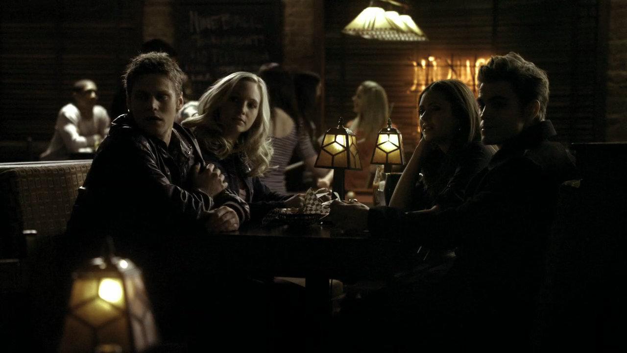 Vampire-Diaries-1x16-HD-damon-and-elena-15014560-1280-720.jpg