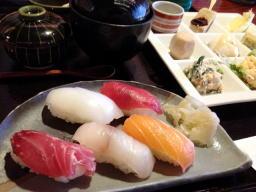 お寿司屋さんですがお豆腐が美味しいのです