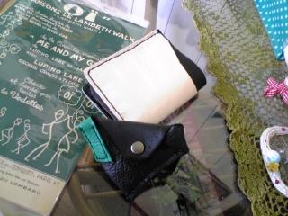 レザー小銭入と二つ折り財布